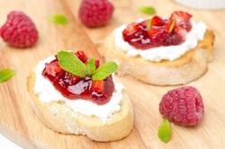 Baguette mit Marmelade