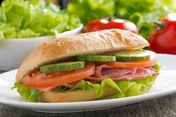 Mini Baguette Sandwich belegt