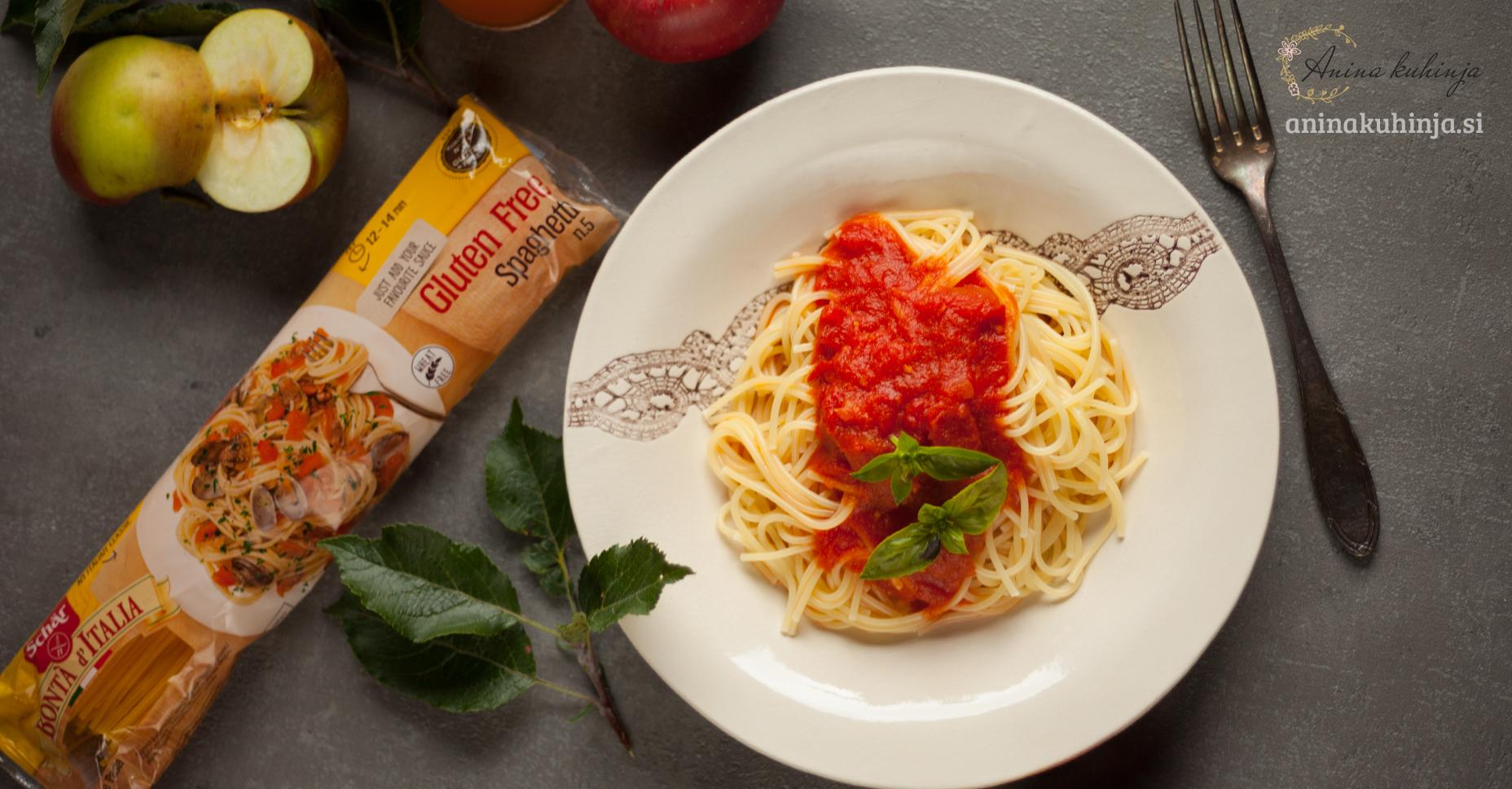 Špageti v paradižnikovi omaki