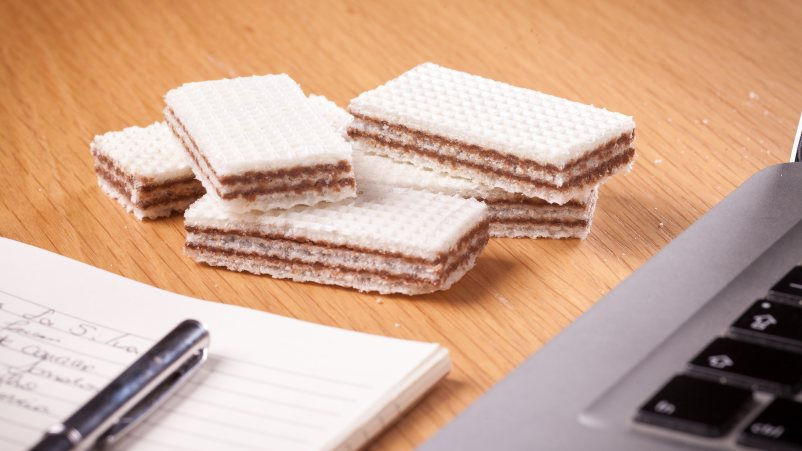 Brezglutenske mini napolitanke z lešniki – Wafer Pocket