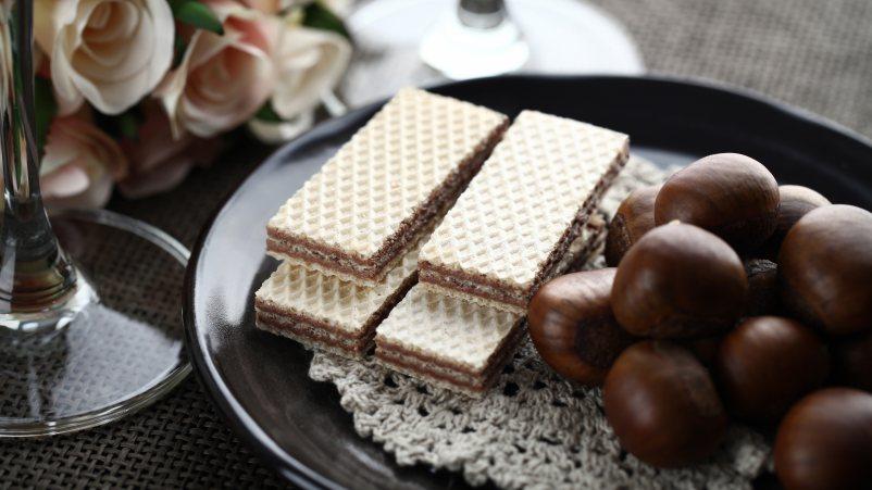 Brezglutenske napolitanke s kakavom – Wafers al cacao