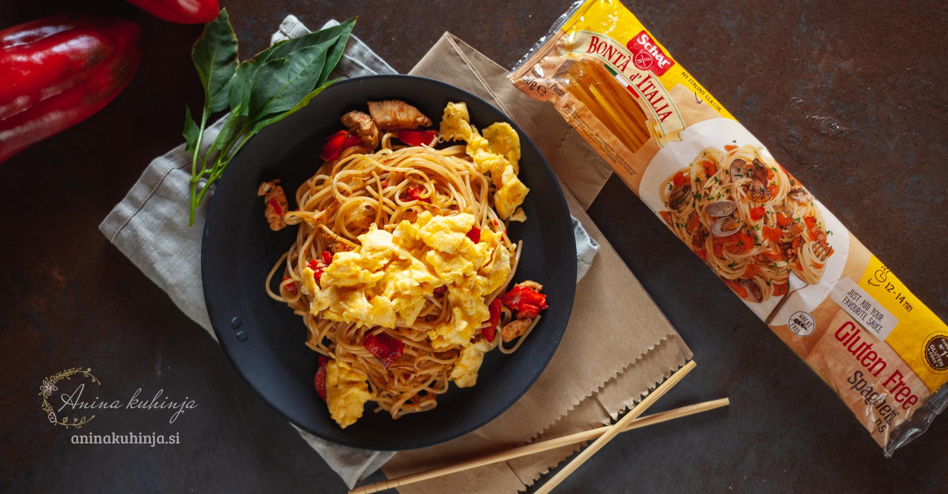 Praženi špageti z azijskim navdihom