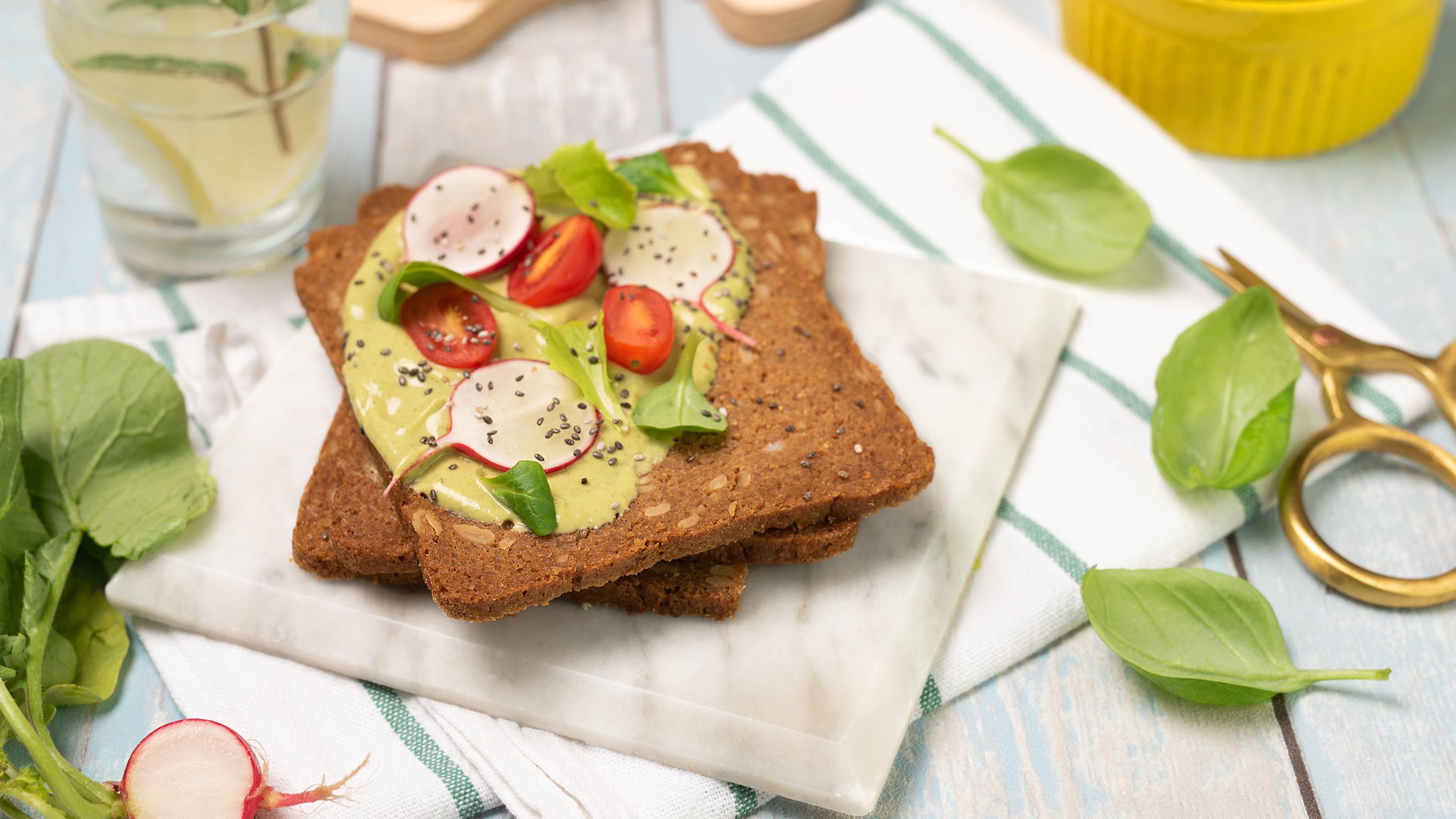 Brezglutenski polnovredni kruh iz polnovrednega riža in ajde – Vollkornbrot