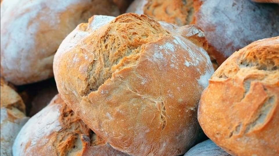 https://brezglutena.schaer.com/recepti-brez-glutena/osnovni-recept-za-kruh