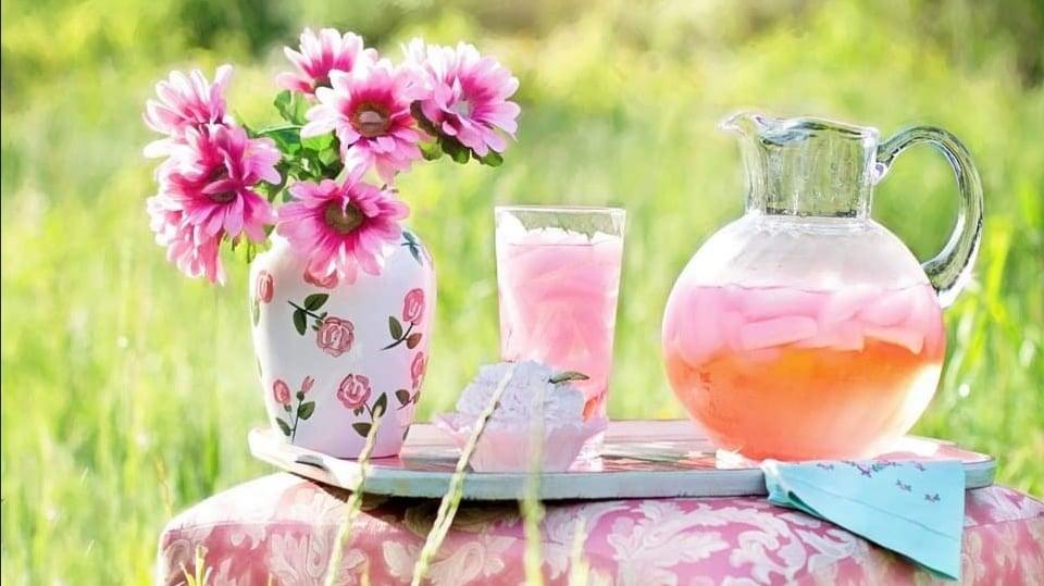 https://brezglutena.schaer.com/recepti-brez-glutena/osvezilna-limonada-z-meto